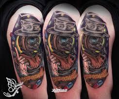 фото татуировки чумной доктор в стиле нео традишнл татуировки на