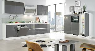 lacquered gloss kitchen 17