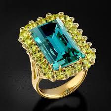 <b>Кольцо с топазом</b>, <b>хризолитами</b> и зелеными бриллиантами в ...
