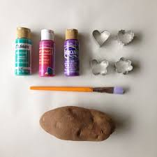 project with kids diy potato stamp wrapping paper