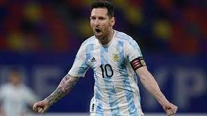 الأفضل في التاريخ وإنقاذ جيل بأكمله .. ماذا لو لعب ميسي لإسبانيا أو  إيطاليا؟