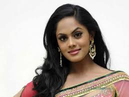 Karthika Nair Actress Height Weight Age Biography Wiki