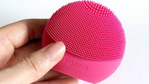 Foreo Luna Play Plus I Affordable Sonic Face Cleanser