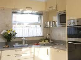 L shaped kitchen with corner sink