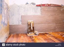 Eine betondecke ist vorhanden, welche allerdings teilweise doch recht stark verläuft. Klebstoff Mortel Textur Stockfotos Und Bilder Kaufen Alamy