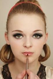 how to create a pin up makeup look twiggy make up step 9