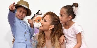 Jennifer lópez y marc anthony siguen dando muestra de la gran relación que mantienen tras su separación en 2011, y en esta ocasión fue alex rodríguez, prometido de la cantante, quien hizo evidente esta situación. Como Han Cambiado Los Hijos De Jennifer Lopez Emme Y Max