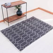 grey geometric rug