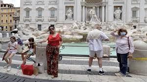 """هل تقع إيطاليا في أحضان بكين بسبب """"تسونامي"""" الديون؟"""