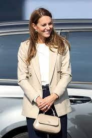 Kate Middleton zeigt mit diesem Outfit, warum ein heller Blazer das  Must-have der Stunde ist