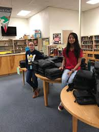 """Jana Hunt on Twitter: """"Wedgwood MS Tech assistants handing out chrome books  to 8th graders. #wedgwoodms #lovetechnology… """""""