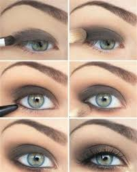 make a stylish ideny with black brown smokey eyes makeup