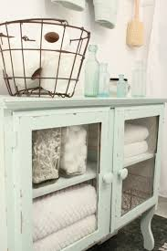 Apothecary Jar Decorating Ideas CoolGlassApothecaryJarsDecoratingIdeasGalleryinBathroom 61