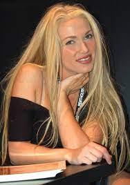 Ava Vincent - Wikipèdia