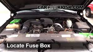 replace a fuse 1999 2007 gmc sierra 2500 hd 2004 gmc sierra replace a fuse 1999 2007 gmc sierra 2500 hd 2004 gmc sierra 2500 hd 6 0l v8 extended cab pickup 4 door