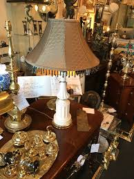 milk glass table lamp in excellent condition