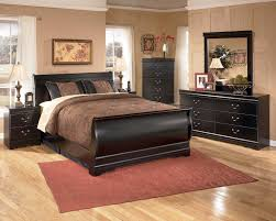 Queen Size Bedroom Furniture Huey Vineyard 4 Piece Sleigh Bedroom Set In Black