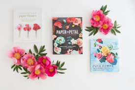The Exquisite Book Of Paper Flower Transformations Vergelijking Boeken Papieren Bloemen Maken Splendith