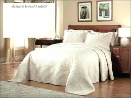 bedspread and comforters difference full size measurements queen sizes vs comforter of king bedspreads