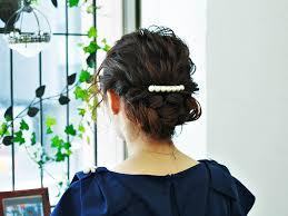 ゆるっとまとめ髪が上品で色っぽい大人の女性向けねじりロールアップ