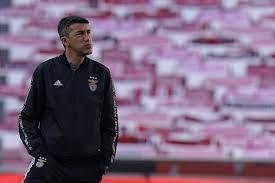 Bruno lage e josé mourinho são ambos de setúbal e excelentes treinadores. Xinmemzd6siwom