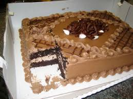 Costco Bakery Makes an Excellent Cake