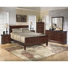 Signature Design Alisdair B376 7 Pc Queen Sleigh Bedroom Set (Bedroom)