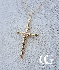 large 9ct yellow gold crucifix pendant chain