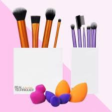 created by two sisters who have earned a cult following on you and in the beauty world real techniques offers some of the most por makeup brushes
