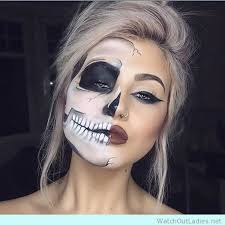 half face skull make up inspiration for kostüm joker skeleton makeup