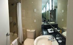 crowne plaza hotel coogee beach sydney bathroom