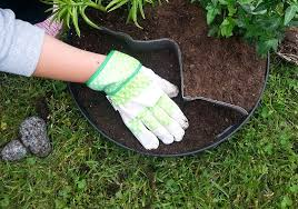best gardening gloves. Best Garden Gloves - Closeup On In Action Gardening