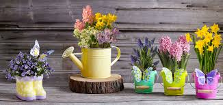 How To Make The Most Of A Small Garden Space . Unusual Pots ...