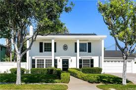 Beatriz Wade - Irvine, USA, Luxury Real Estate Agent - CB Global Luxury