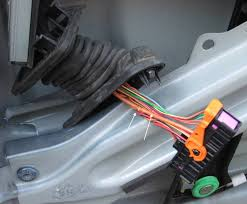 door wiring harness cracked wire replacement mk5 vw vw tdi it should look like this here you can see the areas of interference where you should apply some tape to protect the door skin from scratches