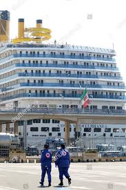 Napoli Coronavirus docks Costa Mediterranea ship disembark Redaktionelles  Stockfoto – Stockbild