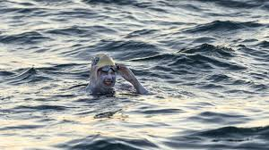 American Becomes 1st Person To Swim English Channel 4 Times ...
