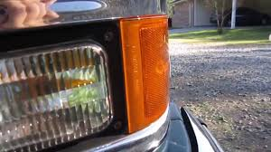 How To Change The Side Marker/Corner Light Bulb On '88-'98 Chevy C ...