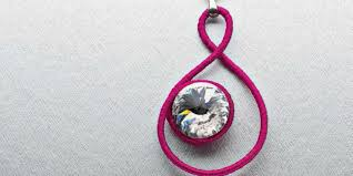 wire wrapping crystals 4 diy wire and crystal jewelry projects you ll love
