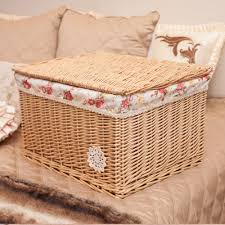 Q Guangzhou IEE The cane makes up wicker with cover receive basket Rural  junk basket receive basket Eco Friendly cosmetics case-in Storage Baskets  from Home ...