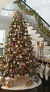 Top 40 Christmas Entryway Decoration Ideas - Christmas Celebrations