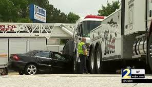 firefighter news video clayton county firefighters help after crash
