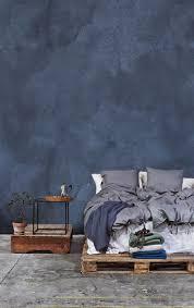 Blaues Schlafzimmer Mit Bett Aus Europaletten Blueinterior