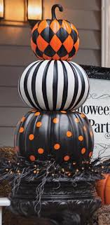 Best 25+ Halloween displays ideas on Pinterest | Cute halloween ...