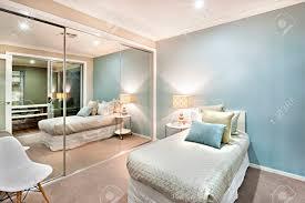 Moderne Und Klassische Schlafzimmer Wände Sind Hellblau Die