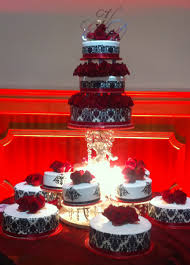 12 Quince Cakes Color Red Photo Quinceanera Cakes Red And White