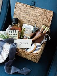 Best 25 Men Gift Baskets Ideas On Pinterest  Present Ideas For How To Make Hampers For Christmas Gifts