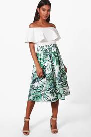 Alana Palm Print Box Pleat Skater Skirt | boohoo Finland