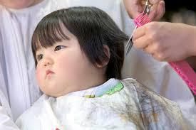 1歳児の髪の毛の切り方ははじめてのヘアカットの方法と注意点