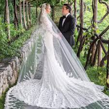 Whitney wolfe, the founder and ceo of bumble, has made matchmaking her business. Whitney Wolfe Oscar De La Renta Wedding Dress Popsugar Fashion